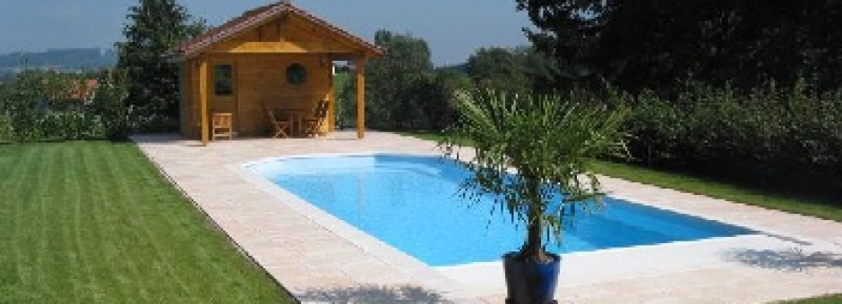 B chtold daniel littoral piscines for Piscine monocoque